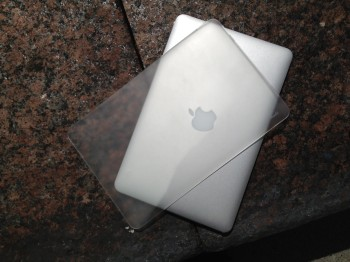 online store 4df6c 1b20a Moshi iGlaze Air 11 (for Macbook Air) [REVIEW] | iPhone in Canada Blog