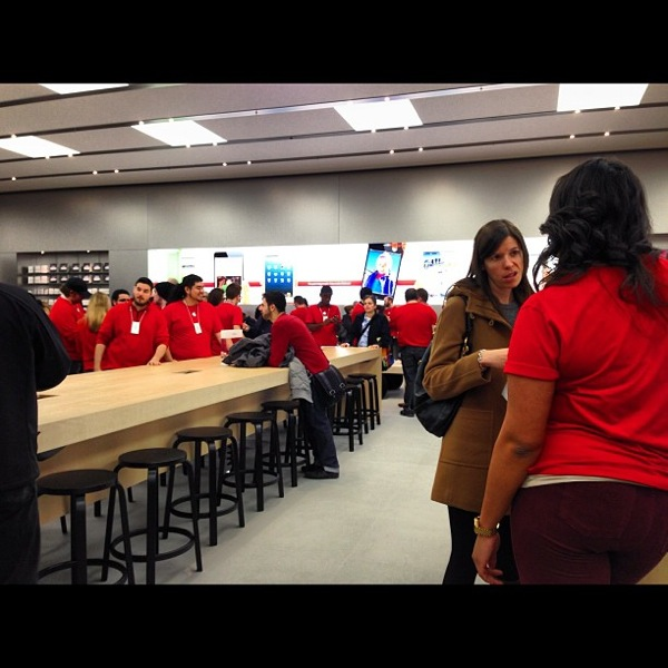 Apple store yorkdale