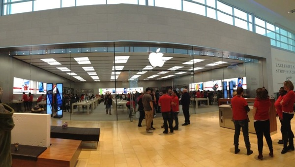 Apple store yorkdale2