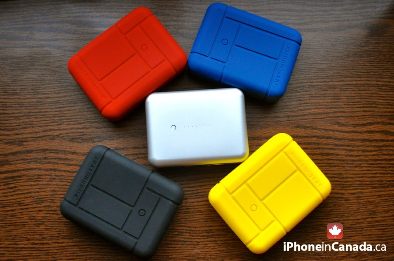 Just Mobile Gum Max Duo™ iPad / iPhone Battery Pack [REVIEW]