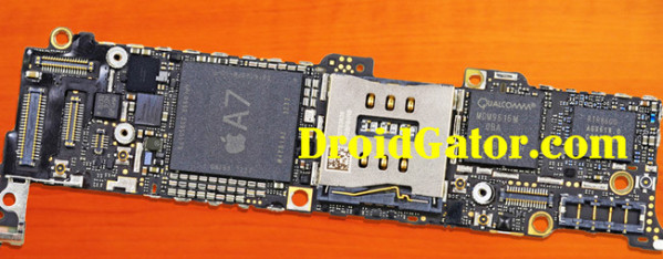 fake-iphone-5s-motherboard