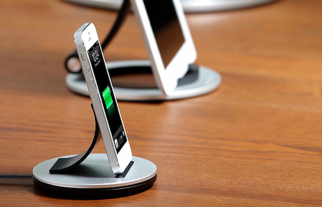 "Just Mobile Unveils ""AluBolt"" Lightning Dock for iPhone and iPad Mini"