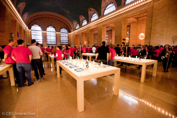 16 apple store grand central december9opening cnet 620x413 610x406