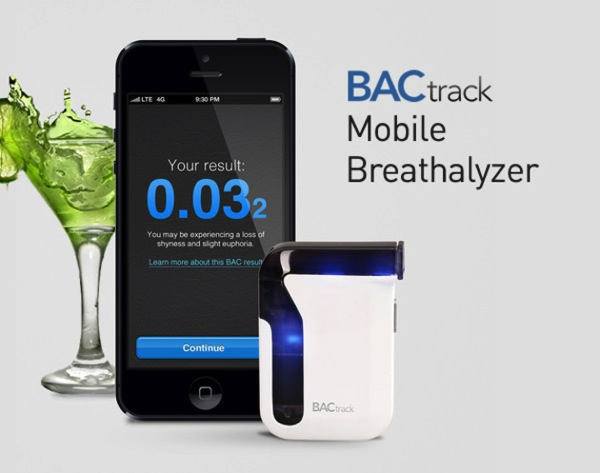 BACtrack Mobile Breathalyzer Connects to iOS/Android, On Sale for 30% Off [Deals]