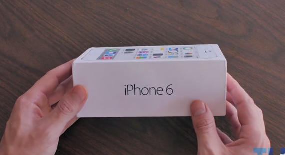 This is What a Working 'iPhone 6' Clone Unboxing Looks Like