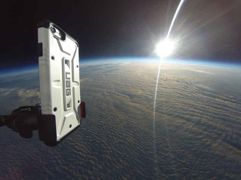 Case Maker Performs an iPhone 6 Drop Test from Space
