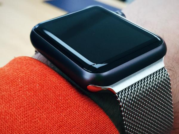 Apple watch space grey milanese
