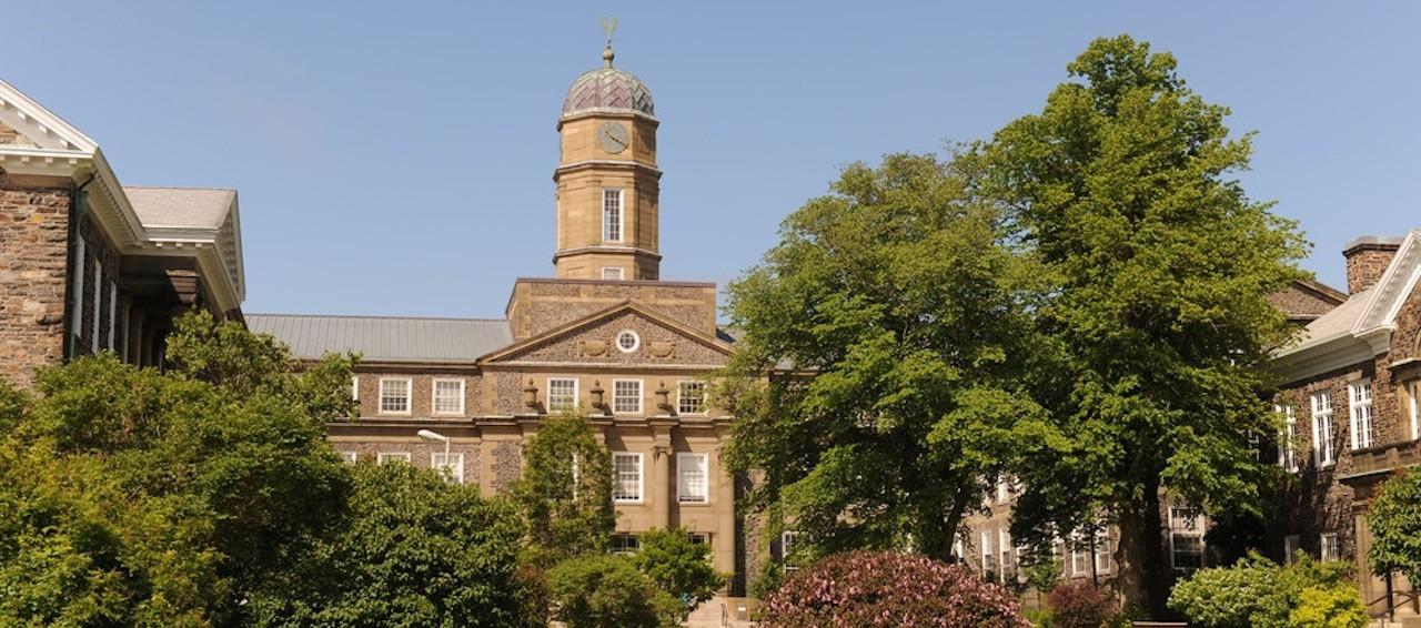 Dalhousie_University