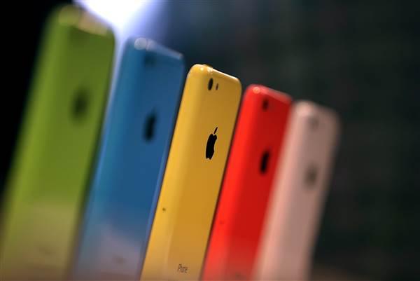 160216-iphone-5c-jsw-538p_220a08f60814313da7943edd951bc123.nbcnews-ux-600-480