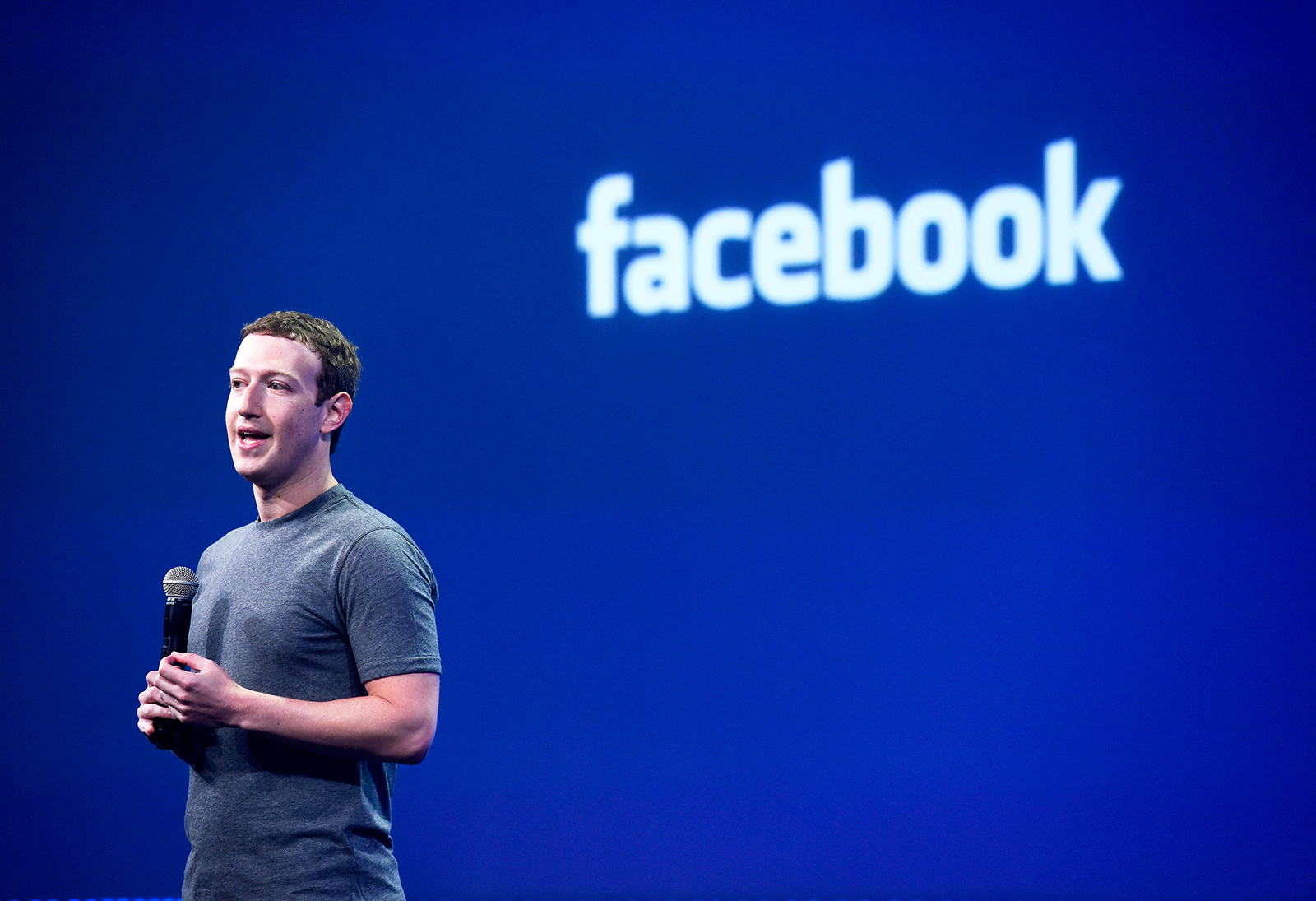 Hacker to live-stream attack on Zuckerberg's Facebook page