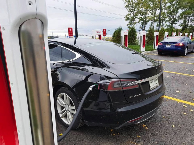 Tesla supercharger quebec