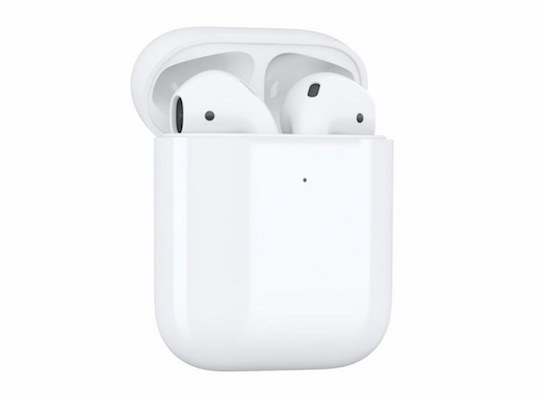 Analyst Expects AirPods Shipments To Double In 2018