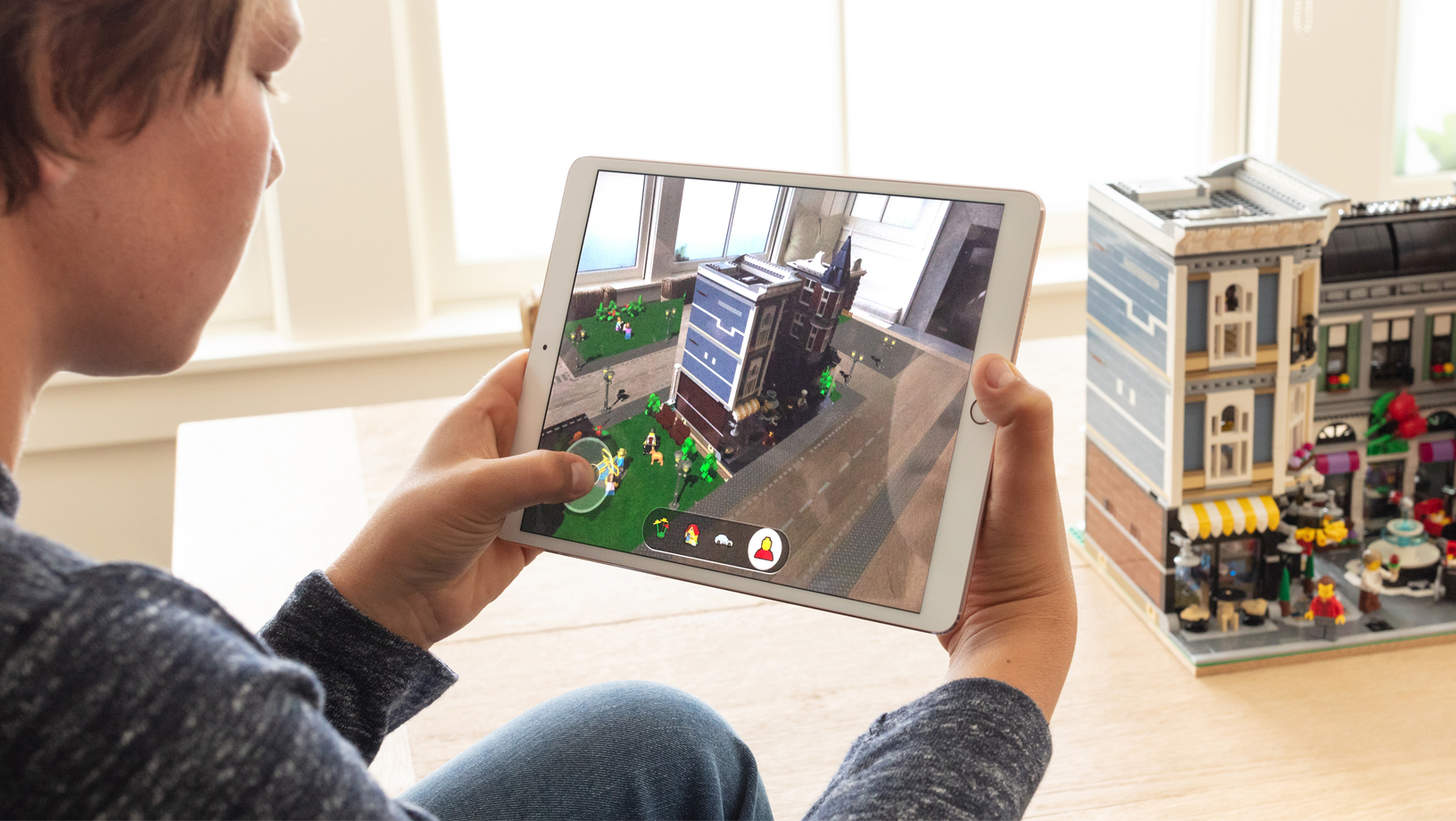 Apple Announces ARKit 2, Centres on Multi-User Support, Face