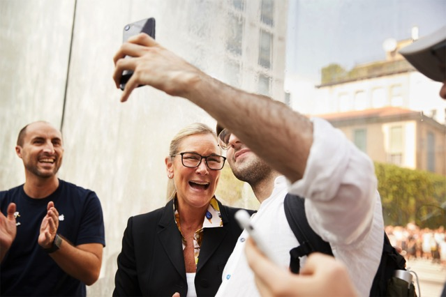 Apple milan piazza liberty angela ahrendts 07262018 big jpg large 2x