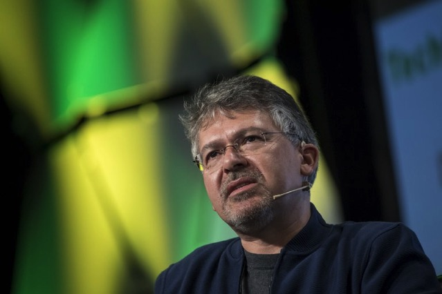 Google ai chief john giannandrea apple hired