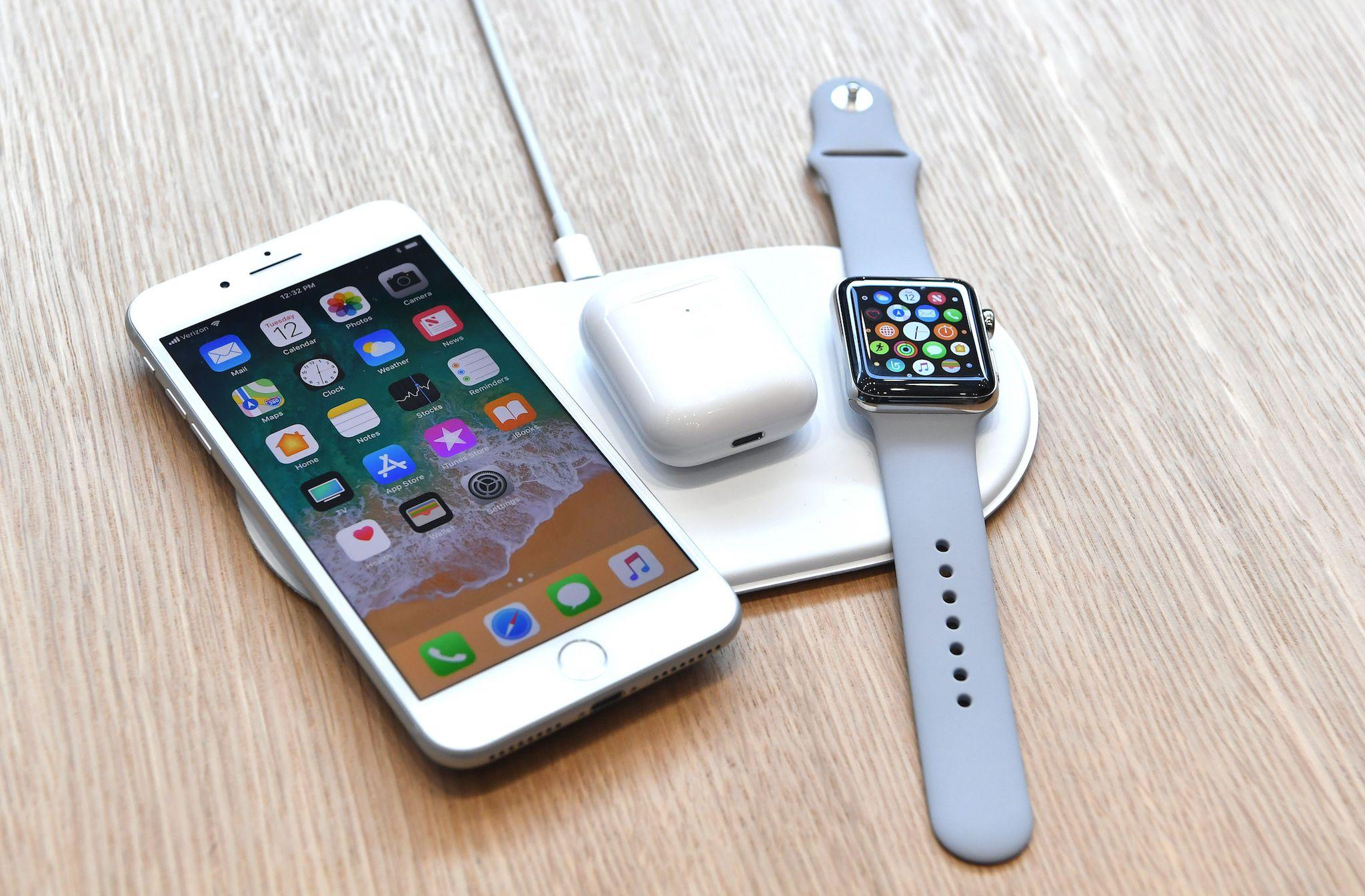 Apple scrubs most references to AirPower from its website