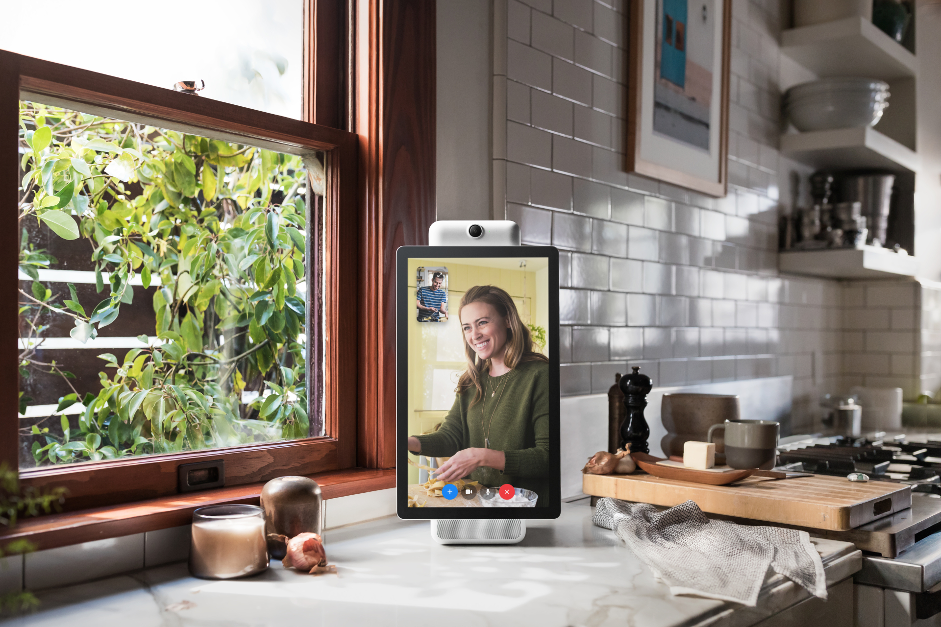 facebook unveils portal and portal devices with ai enhanced messenger video calls iphone in. Black Bedroom Furniture Sets. Home Design Ideas