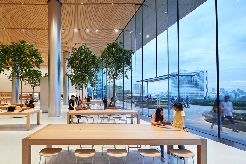 Apple bangkok store opening interior 11072018 big jpg large 2x