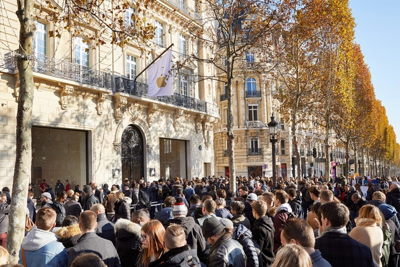 Apple champs elysees exterior 11182018