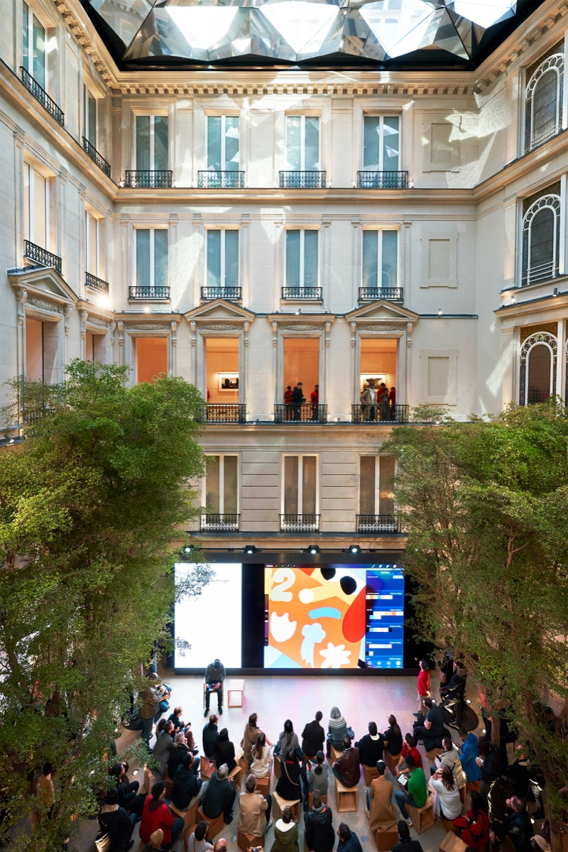 Apple champs elysees today at apple 11182018