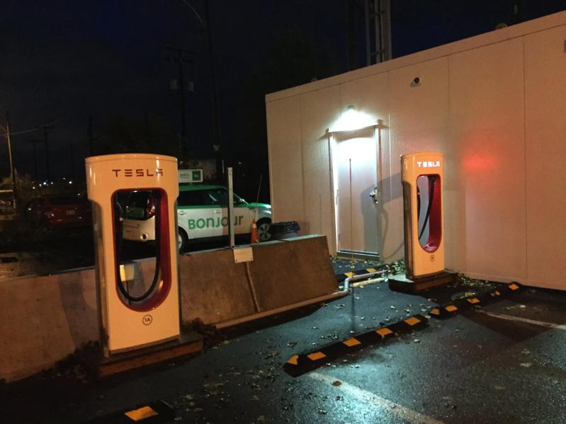 Tesla supercharger montreal