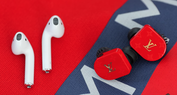 Apple airpods vs LV earbuds