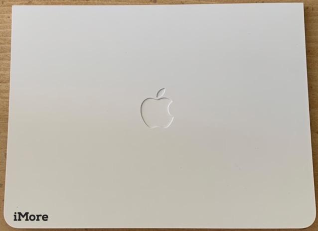 Leaked apple card photo 03