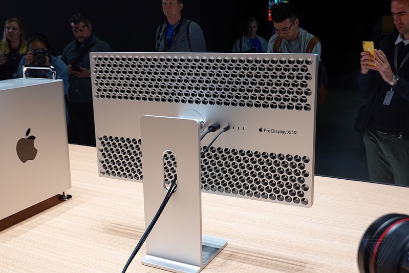 Apple's New Mac Pro, Pro Display XDR Get Hands-On Treatment