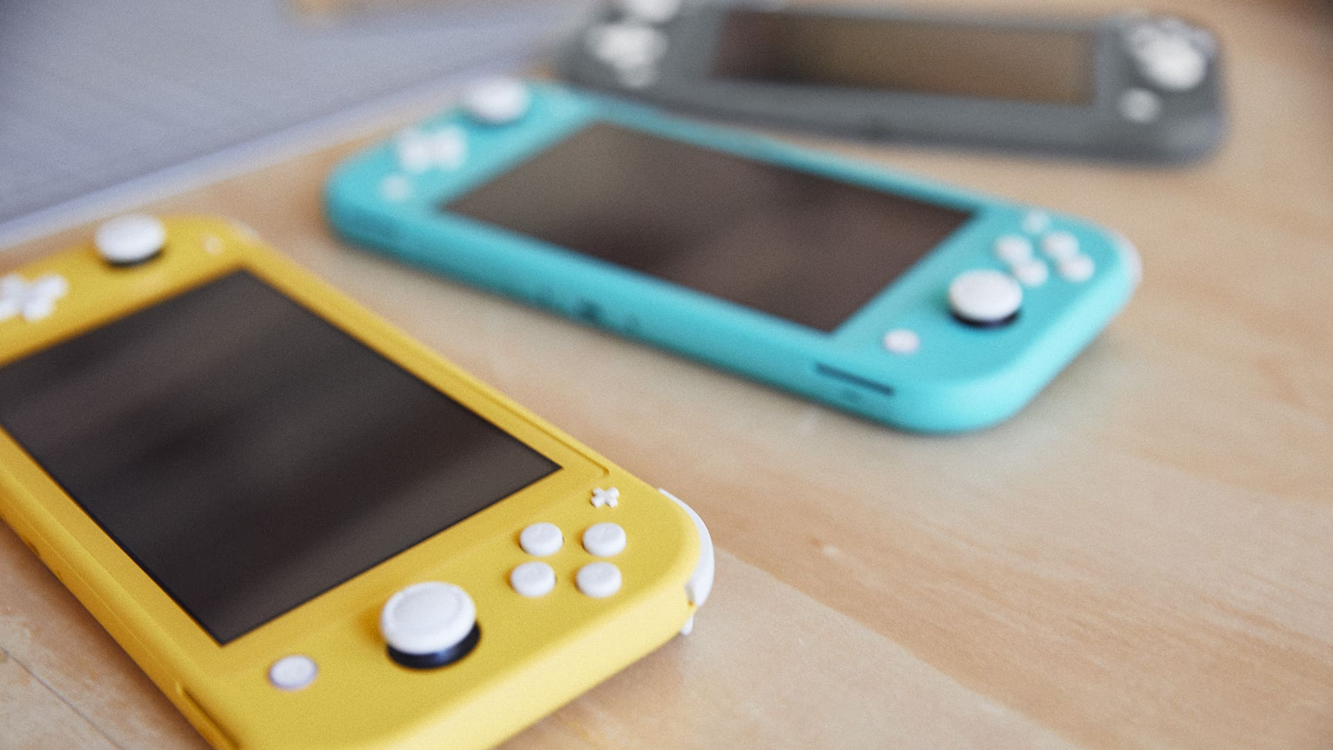 Nintendo Announces New, Cheaper Switch Lite, Can't Actually 'Switch'