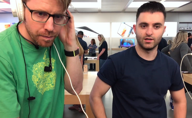 Two Musicians Record Full Song on Apple Store iMac From Scratch [VIDEO]