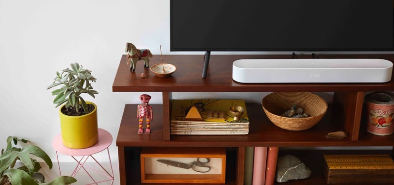 Sonos beam living knicknacks