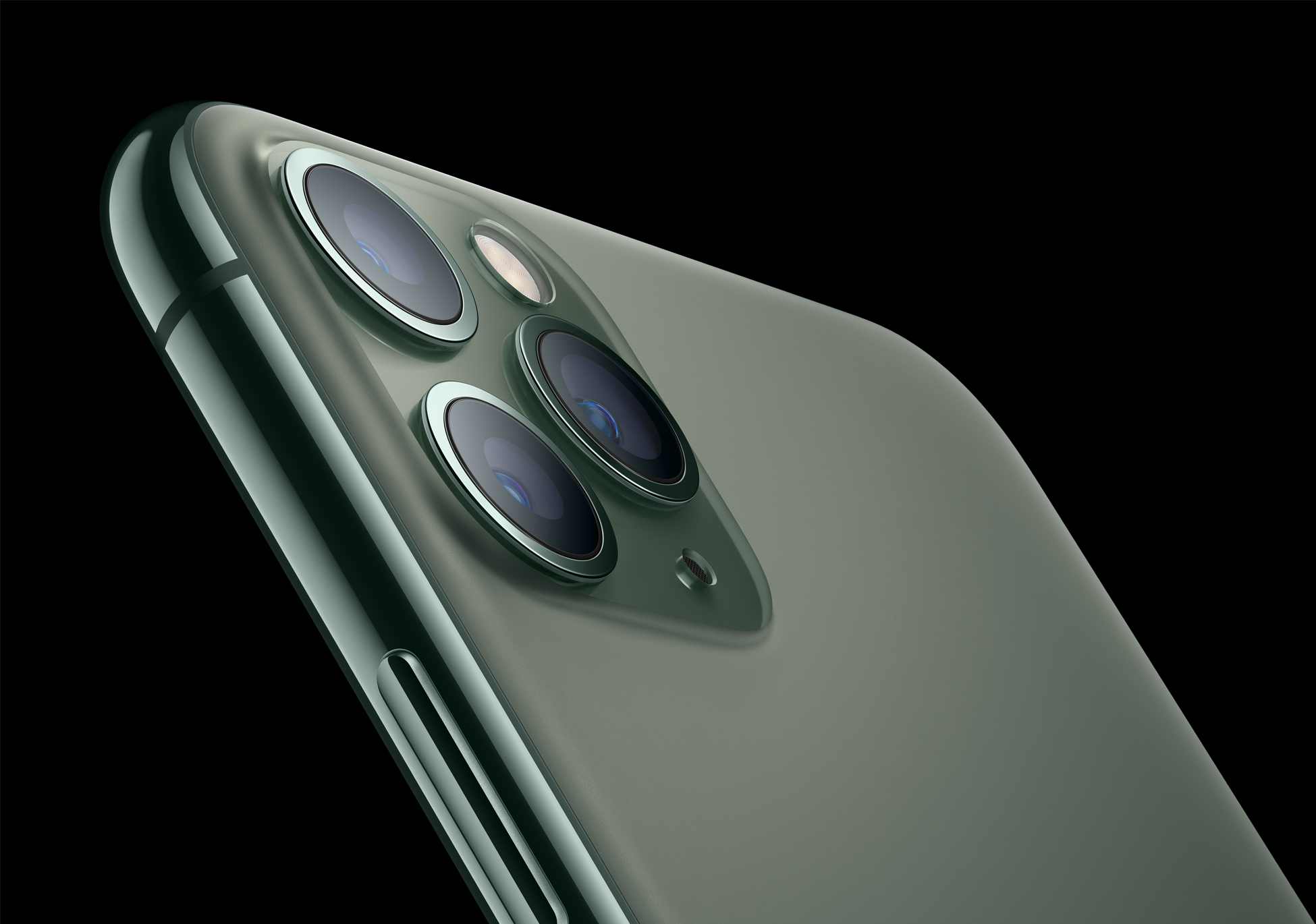 iPhone 11 Lineup May Have Software-Disabled Bilateral Wireless Charging Hardware