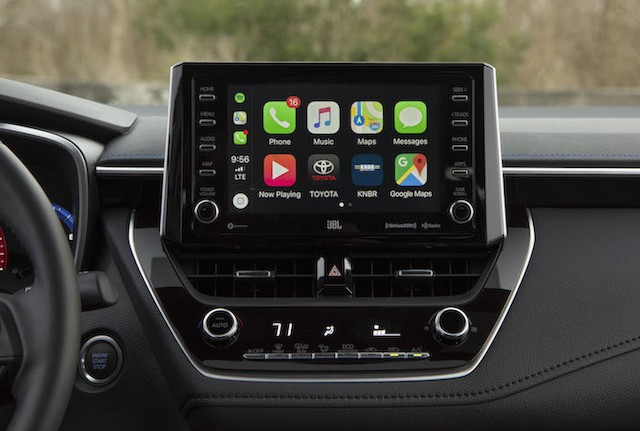 Apple CarPlay's New Multiscreen Feature Not Supported Yet by Automakers