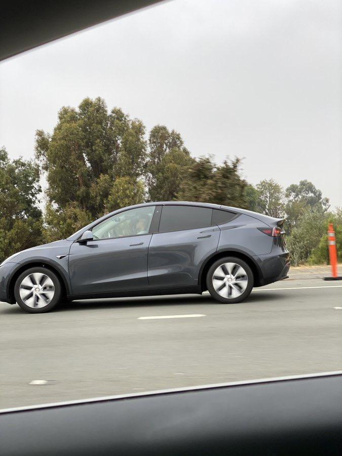 Tesla model y fremont 3