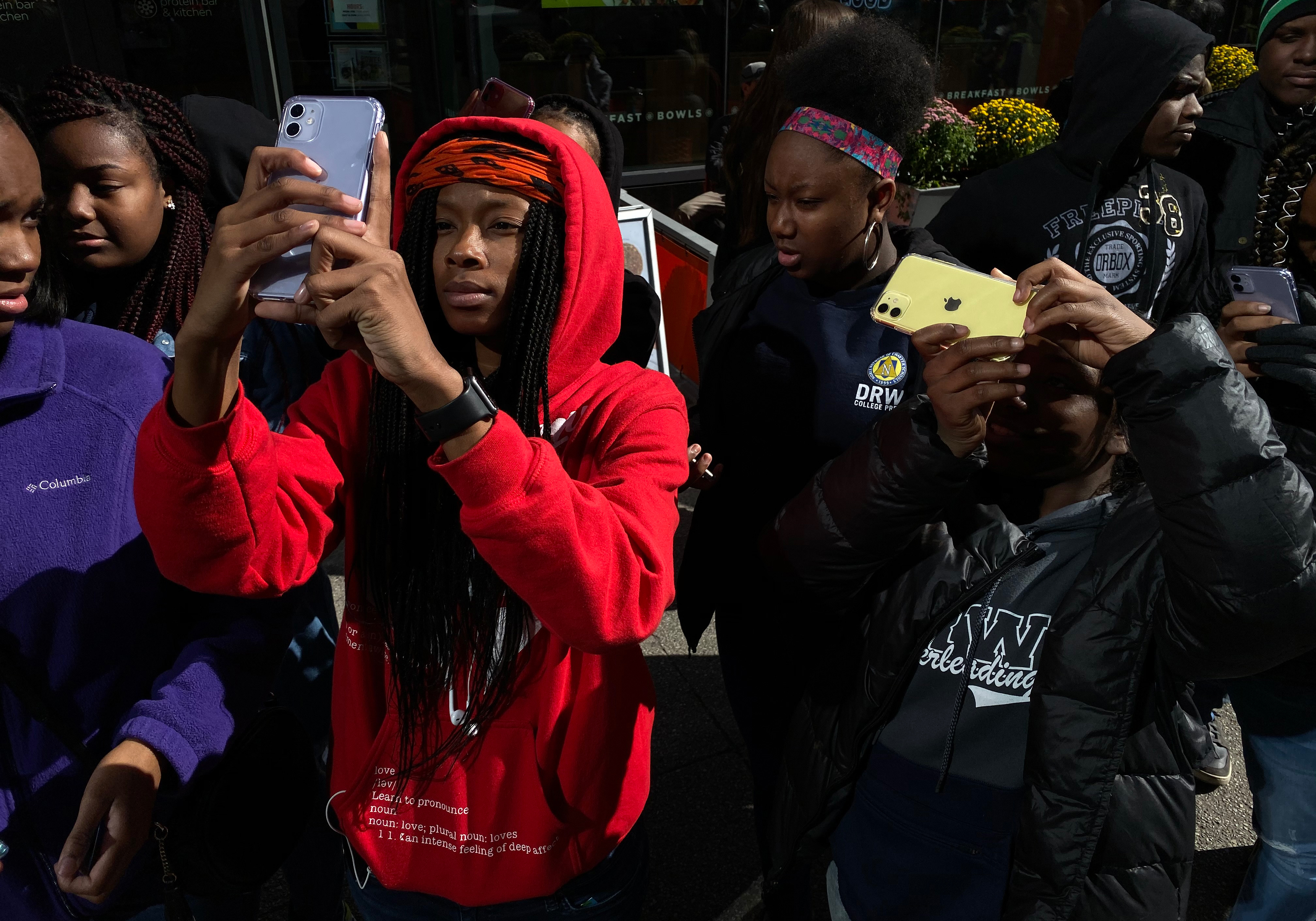 Apple Partners With Chicago-Based Nonprofit to Teach iPhone Photography