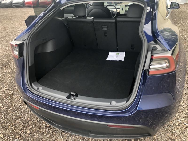 Model y trunk
