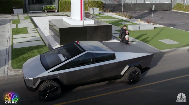 Tesla cybertruck cnbc jay leno s garage
