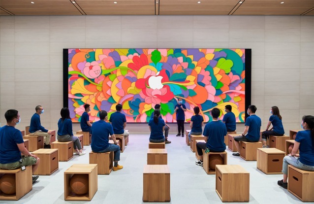 Apple sanlitun beijing opening apple team members 07162020 big jpg large 2x