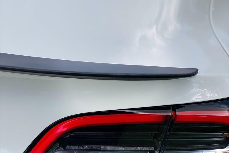 Model3 spoiler low profile2 2 tesloid