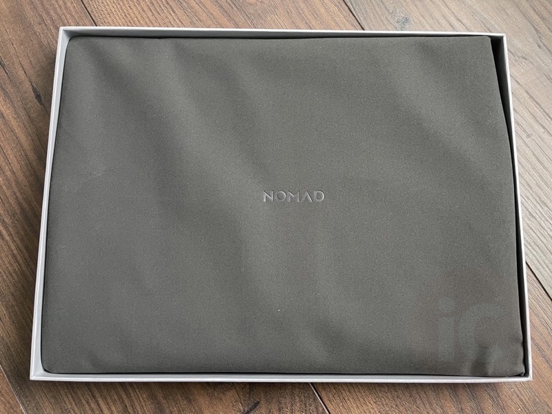 Nomad leather macbook sleeve2