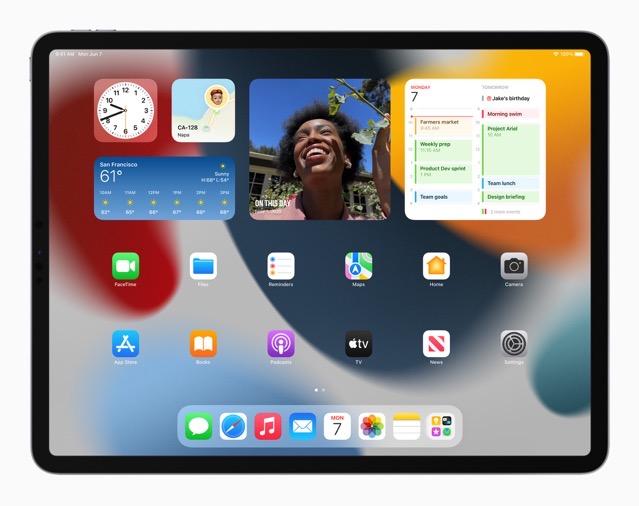 Apple iPadPro iPadOS15 springboard widgets 060721 big jpg large 2x
